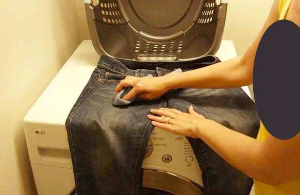 how do you remove mildew from clothes