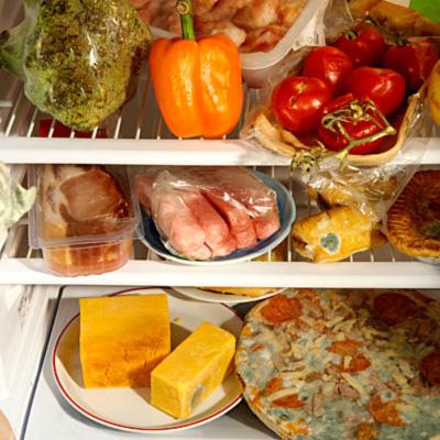 mold on food symptoms