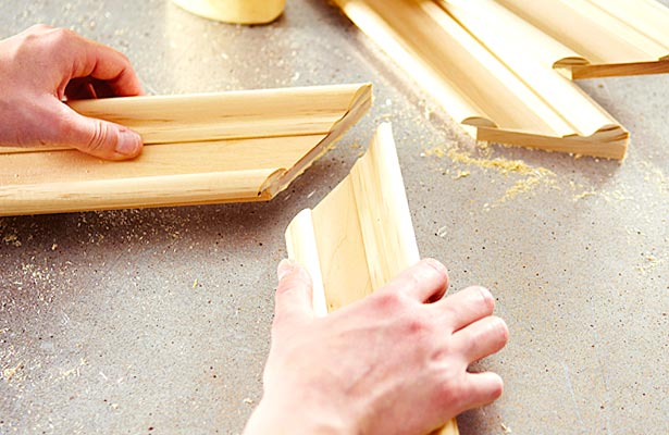how to make picture frame using crown molding